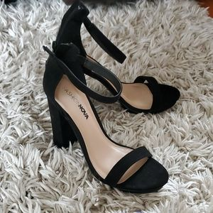 Fashion nova black heels